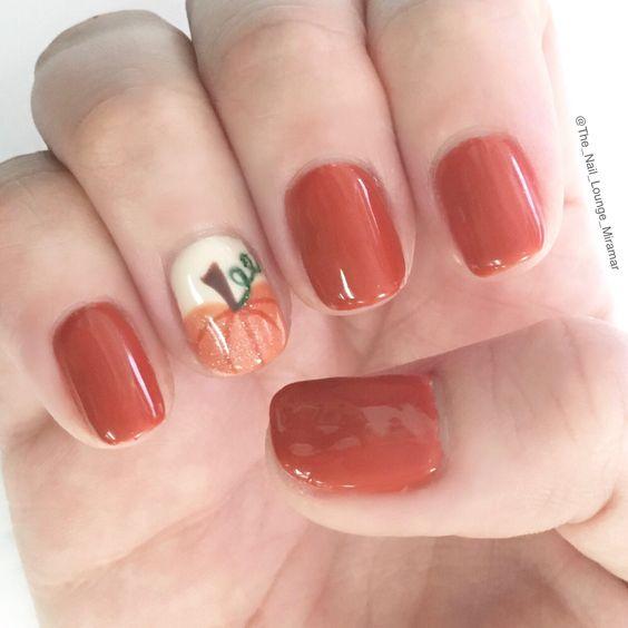 Fall Pumpkin Nail Art