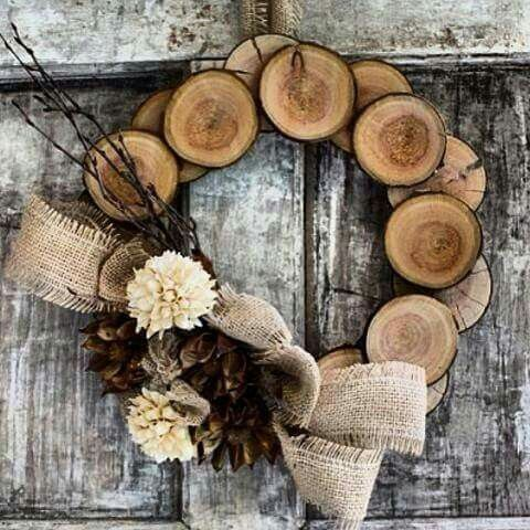 Wood Slice Winter Wreath