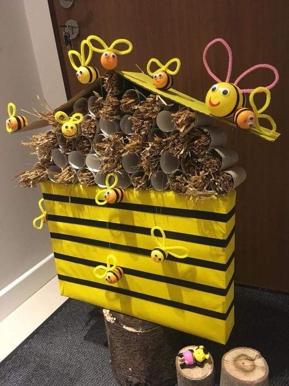 Kinder Egg Bees Display