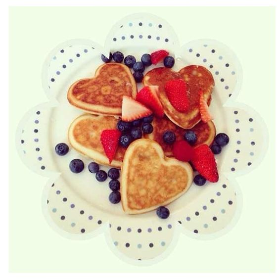 Heart shaped pancakes and berries #valentines #breakfast